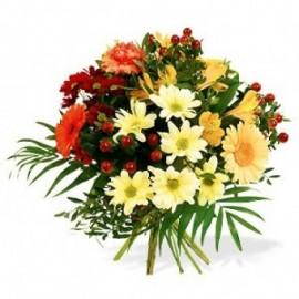 Buchet rotund din gerbera, crizanteme, hypericum si alstroemeria