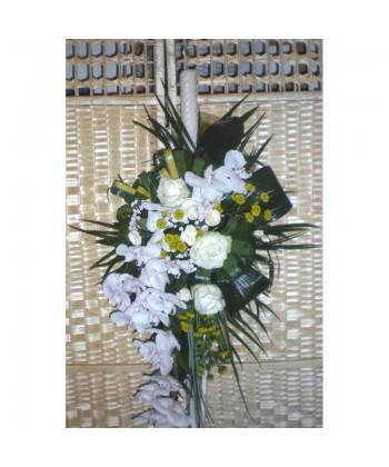 Lumanare de botez cu trandafiri, orhidee si santini