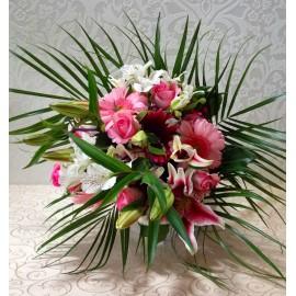 Buchet pastel cu flori albe si roz