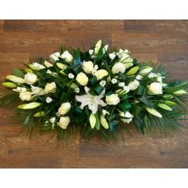 Aranjament funerar crini, trandafiri si lisianthus