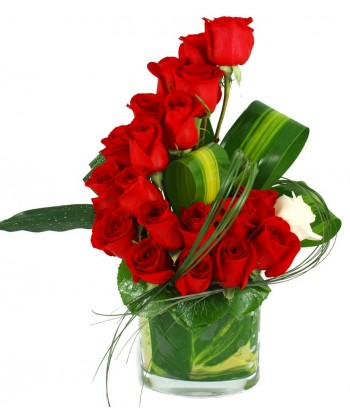 Aranjament trandafiri rosii in bol