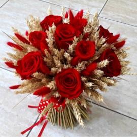 Buchet trandafiri rosii si spice