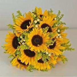 Buchet floarea soarelui si solidago(sanziene)