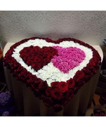 Inima duo cu trandafiri si crizanteme