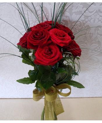 Buchet 9 trandafiri rosii cu tija lunga