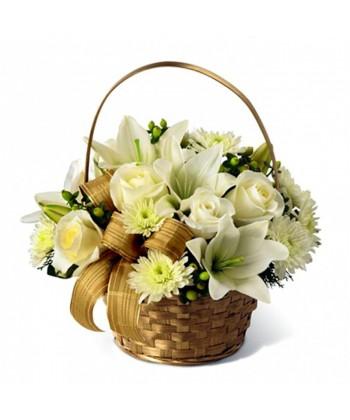 Cosulet cu trandafiri, crini si crizanteme in alb si verde