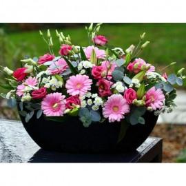 Aranjament flori roz in vas