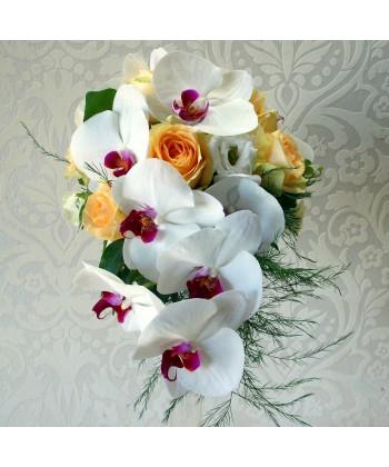 Buchet mireasa cu orhidee si trandafiri