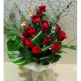 Buchet elegant 15 trandafiri rosii tija lunga