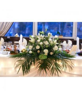 Aranjament cu crin imperial,trandafiri si anthurium