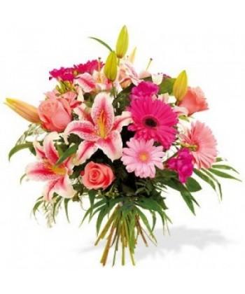 Buchet pastel cu flori roz