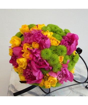 Buchet mireasa cu bujori, trandafiri si crizanteme