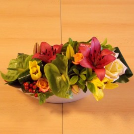Aranjament fresh cu trandafiri, lalele, crini si anthurium