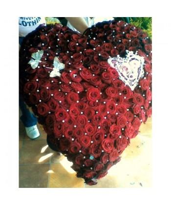 Inima din 199 trandafiri rosii Grand Prix