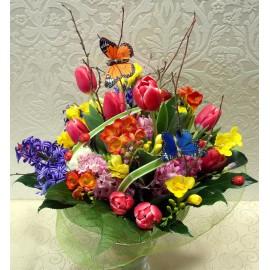Buchet primavaratic, multicolor cu frezii, lalele si zambile