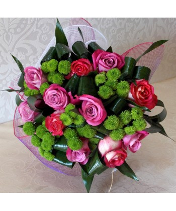 Buchet 11 trandafiri si 6 crizanteme