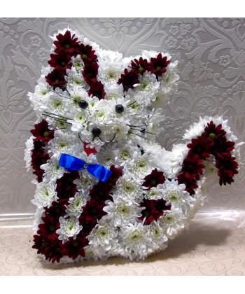 Aranjament motanel din crizanteme