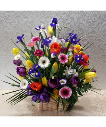 Aranjament mix cu flori colorate