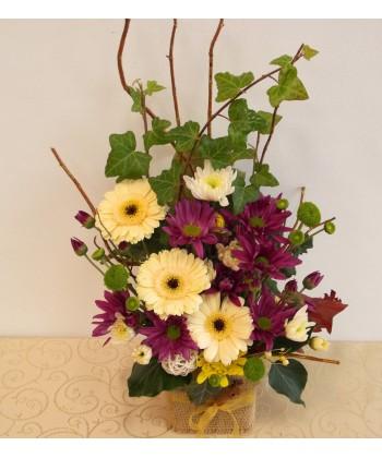 Aranjament de toamna cu gerbera si crizanteme