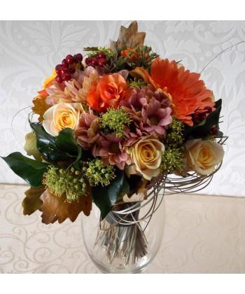 Buchet de toamna cu trandafiri, gerbera, crizanteme si frunze