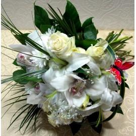 Buchet din flori albe cu orhidee