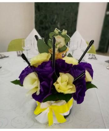 Aranjament masa cu lisianthus