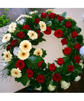 Jerba funerara trandafiri si minigerbera