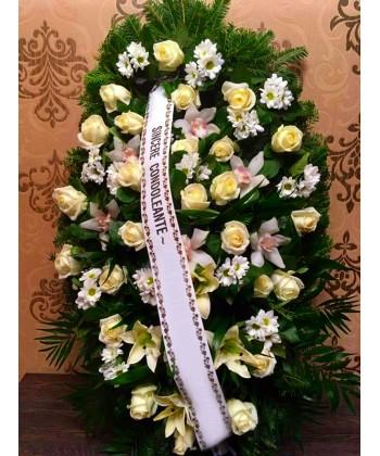 Coroana funerara din flori albe