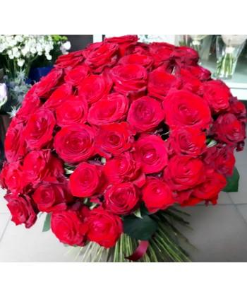 Buchet 101 trandafiri rosii tija lunga si panglica satin