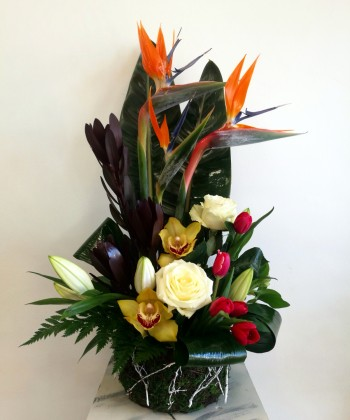 Mix flori exotice si clasice in cos - 17 flori