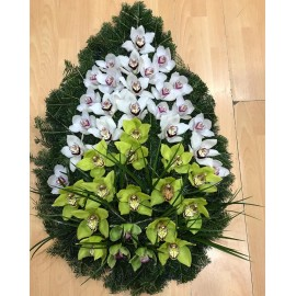 Regrete eterne intr-o coroana din 40 cupe de orhidee