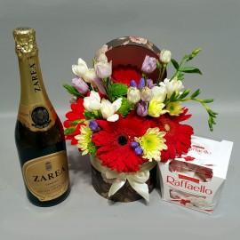 Cadou, flori pentru zi de nastere, sampanie si ciocolata