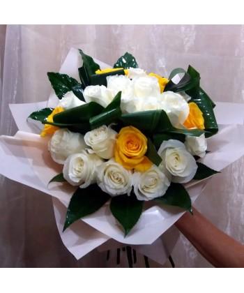 Buchet 29 trandafiri cu boboc mare in alb si galben