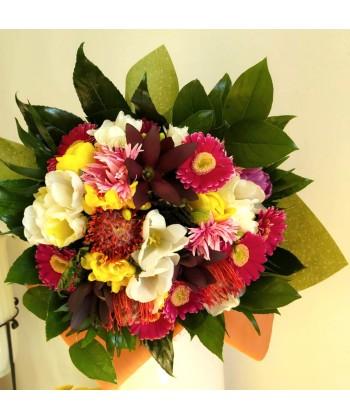 Buchet fresh de sezon cu flori multicolore