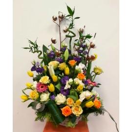 Flori colorate in cos cu bambus si bumbac