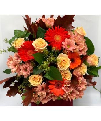 Buchet mixt de toamna cu flori si accesorii