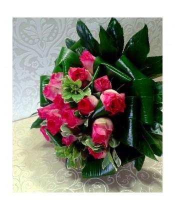 Buchet delicat 19 trandafiri albi si roz