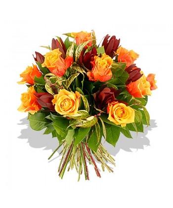 13 trandafiri portocalii si 10 leucadendron