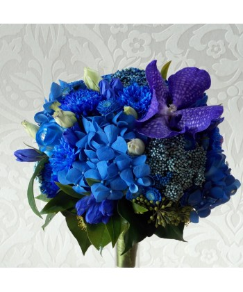 Buchet mireasa din flori albastre