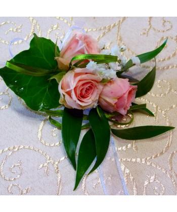 Bratara din trandafiri