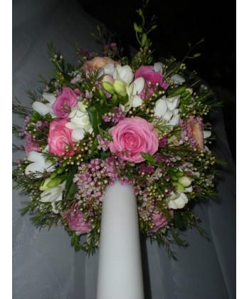 Lumanare de nunta cu frezii, trandafiri si vax flora